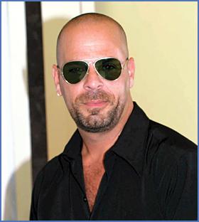 Bruce Willis tiene dob... Bruce Willis