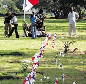Critica en linea no se curan heridas for Cementerio jardin de paz panama